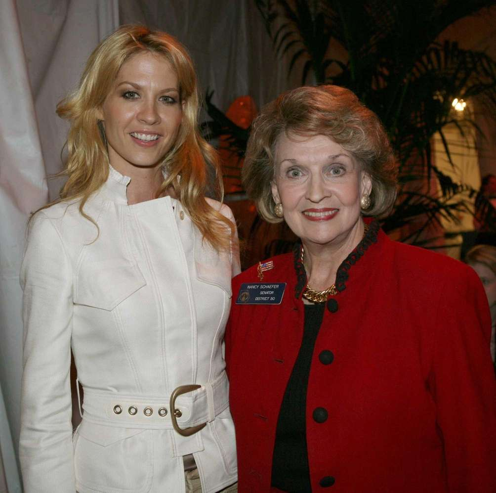 Jenna Elfman, left, an avowed Scientologist, with Georgia