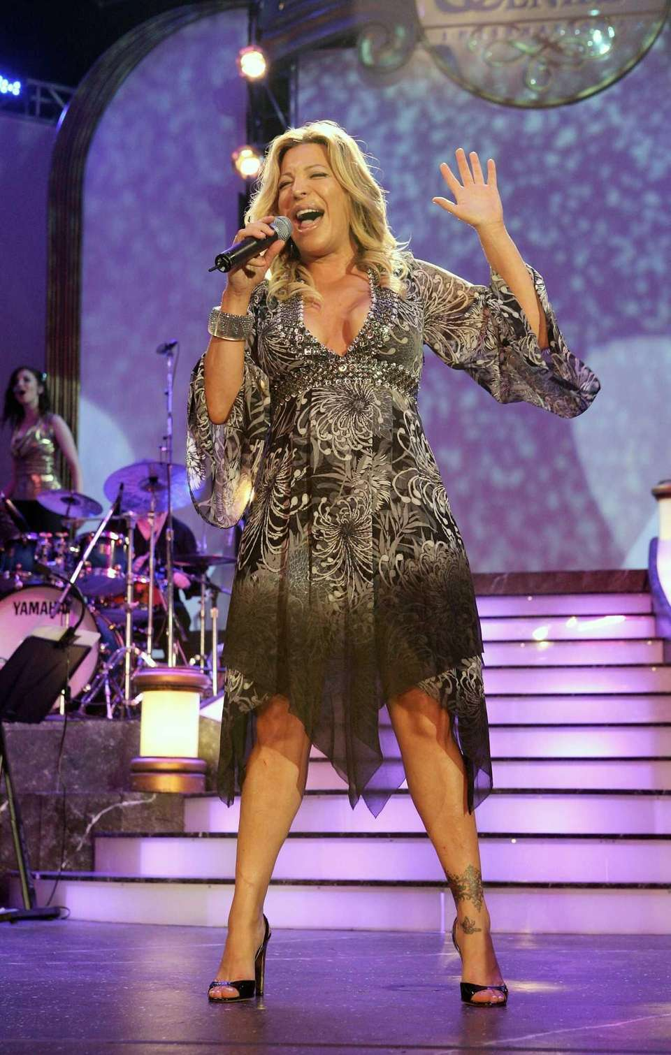 Singer Taylor Dayne performs during the 38th Anniversary