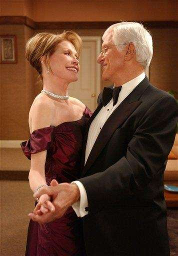Mary Tyler Moore and Dick Van Dyke reprise