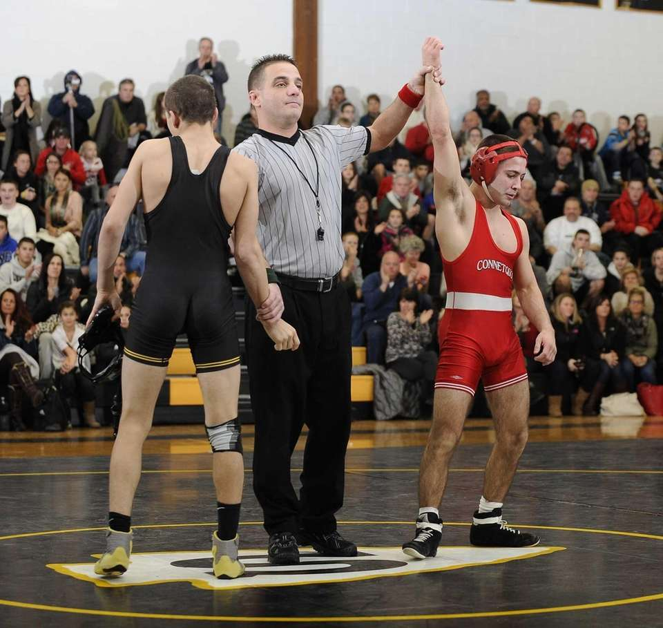 Connetquot's Steve Bulzomi wins his match against Sachem