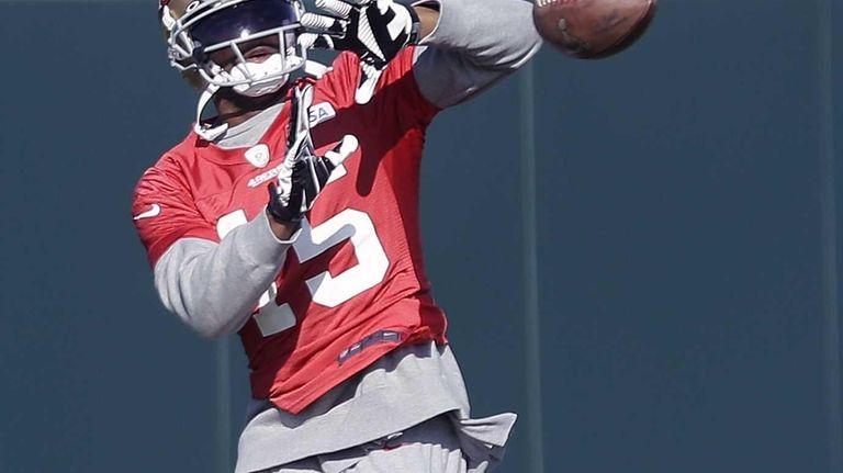 San Francisco 49ers wide receiver Michael Crabtree (15)