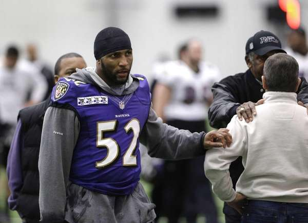 Baltimore Ravens inside linebacker Ray Lewis walks off