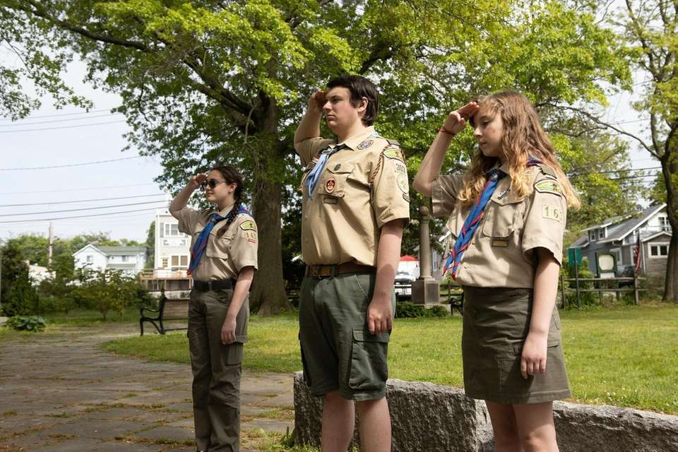 (l-r) Amelia Walkoff, 13, of Scout Troop 163,