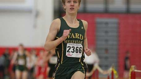 Ward Melville's Vincent Cicale wins the 3200-meter run