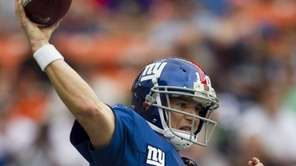 Giants quarterback Eli Manning of the NFC throws