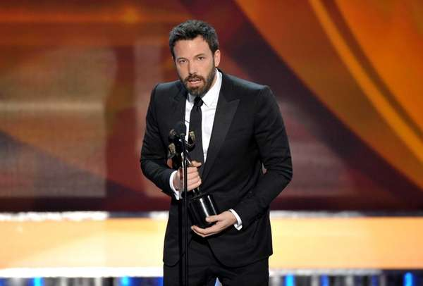 Ben Affleck accepts the award for outstanding cast