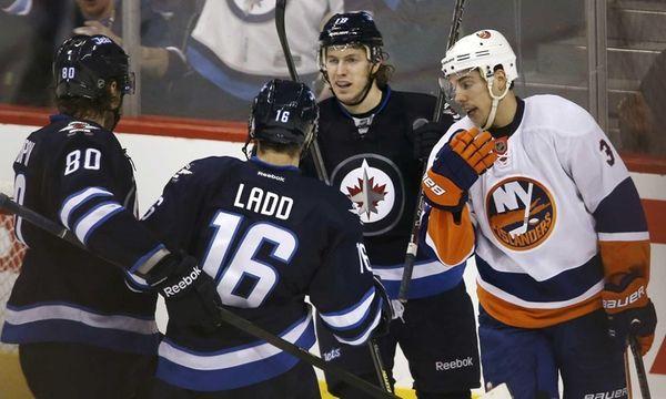 Winnipeg Jets' Nik Antropov (80) and Andrew Ladd