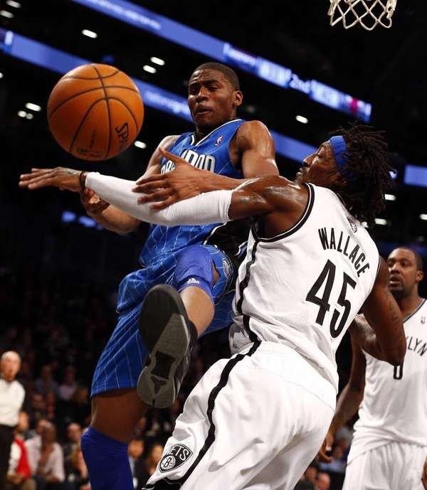 Gerald Wallace #45 of the Brooklyn Nets defends
