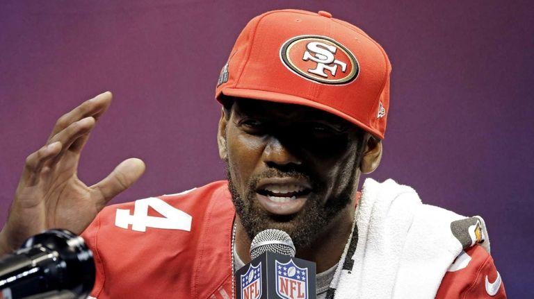 San Francisco 49ers wide receiver Randy Moss speaks