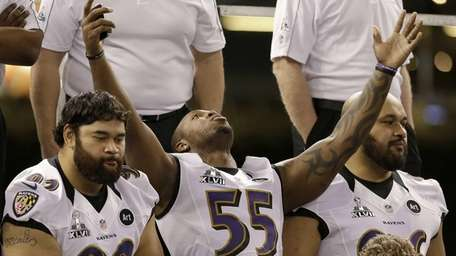 Baltimore Ravens linebacker Terrell Suggs (55) reacts during