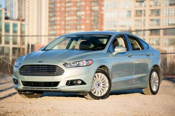 Unlike other hybrids, the 2013 Ford Fusion doesn't