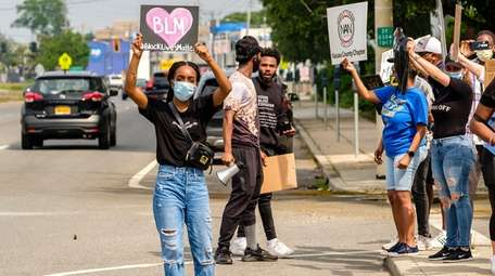 Demonstrators in Valley Stream moved from Brooklyn Avenue