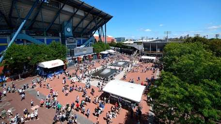 Atmosphere at the 2019 US Open at Billie