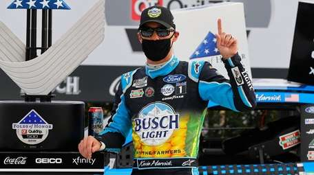 Kevin Harvick, driver of the #4 Busch Light