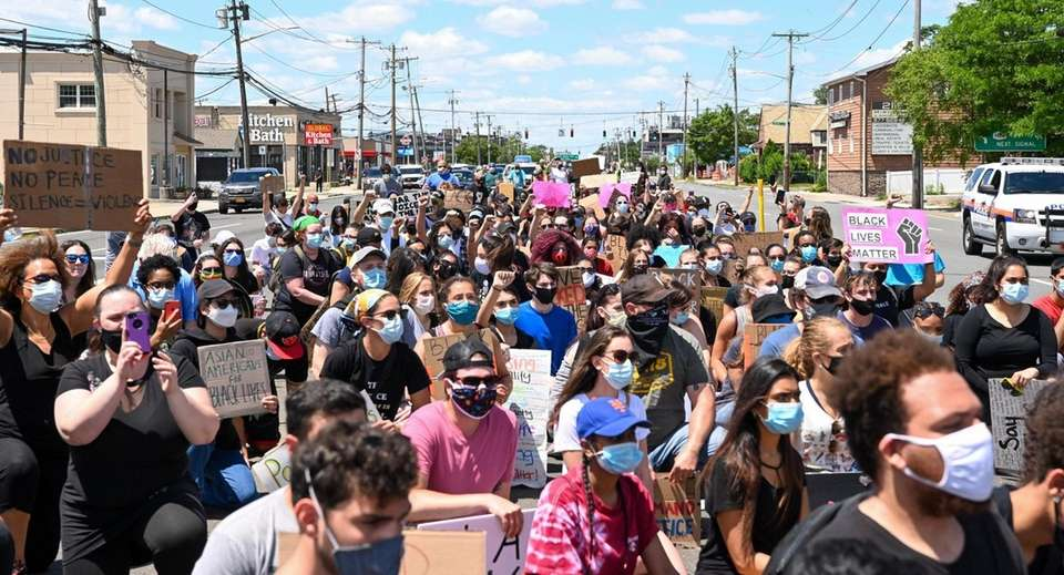 Protesters takeover Hempstead Turnpike in East Meadow as