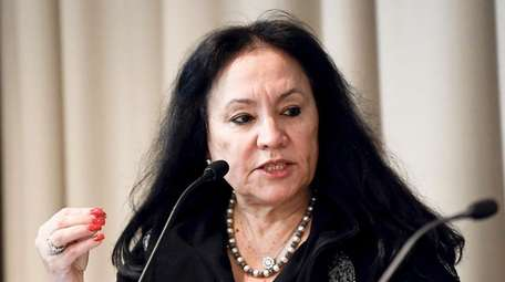 Chancellor Betty A. Rosa at the State Education