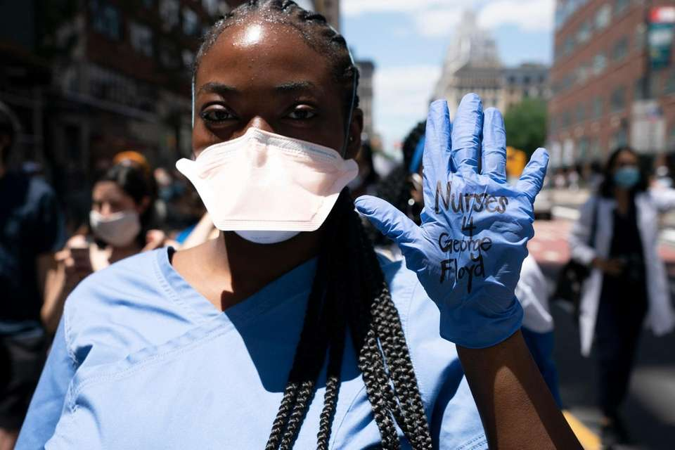Nurses and other medical workers demand justice for