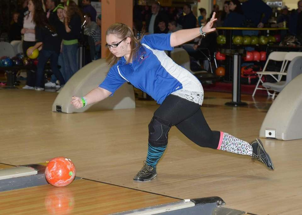 Middle Country's Amanda Tyrrell releases the ball down