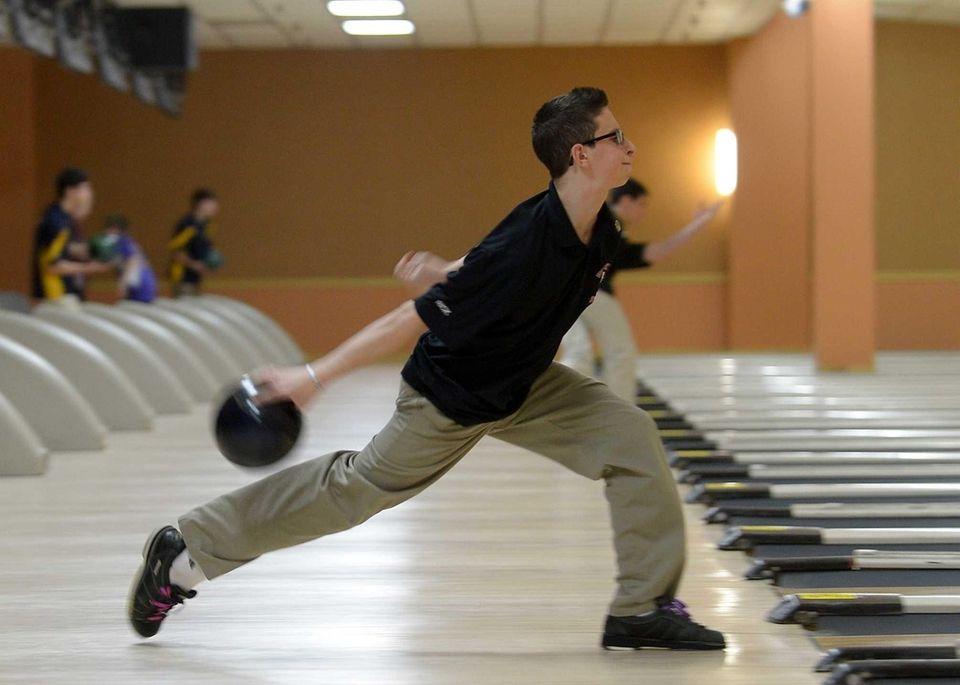 Suffolk Boys and Girls Bowling Championships | Newsday