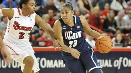 UConn's Kaleena Mosqueda-Lewis drives to the basket against