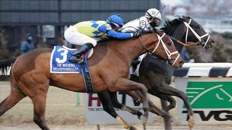 Revolutionary (2), with Javier Castellano aboard, captures the
