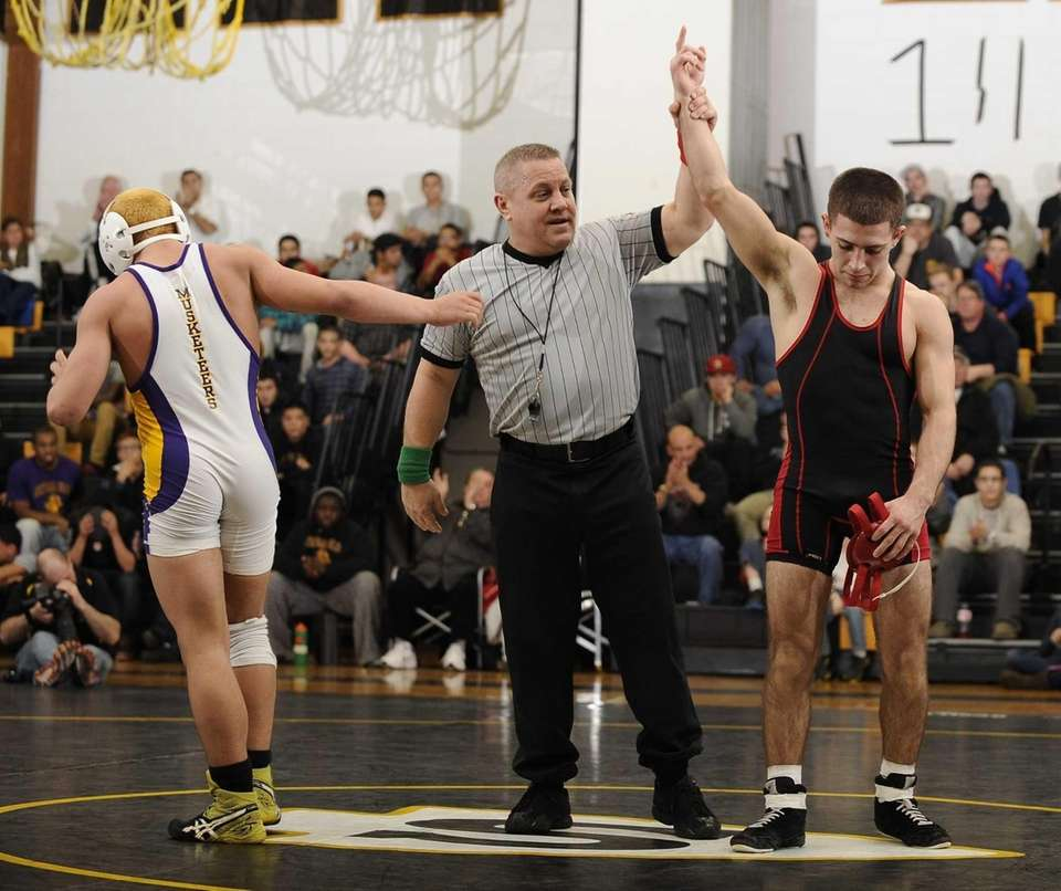 Connetquot's Steven Bulzomi defeats Central Islip's Mark Sanchez