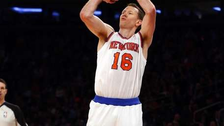 Steve Novak of the New York Knicks shoots