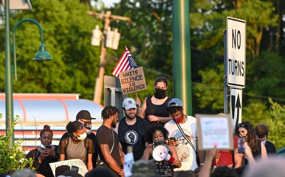 Protesters converge on Route 111 and 347 in