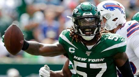 C.J. Mosley #57 of the Jets celebrates his