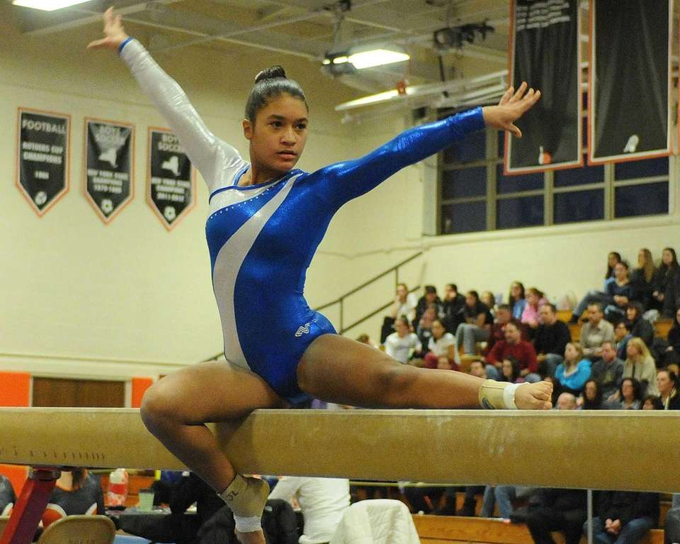 Plainview's Jessica Lopez performs her routine on the