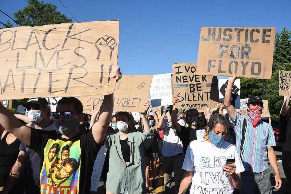 Black Lives Protesters take the street of Hampton