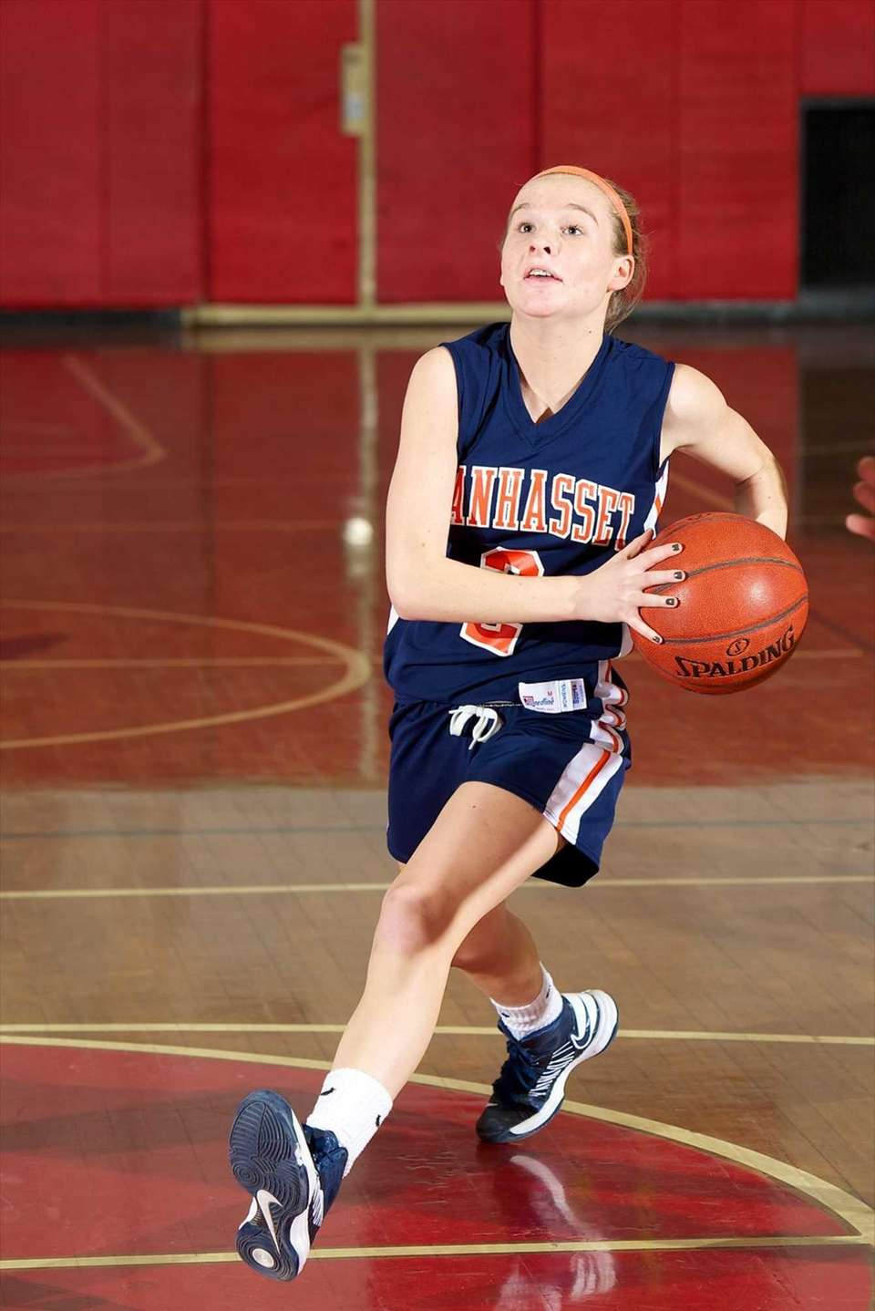 Manhasset guard Erin Barry drives to the basket
