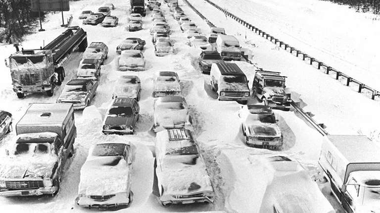 1978: Motorists were stranded in the eastbound lane