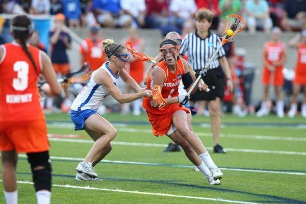 Syracuse attack Alyssa Murray, of West Babylon, controls