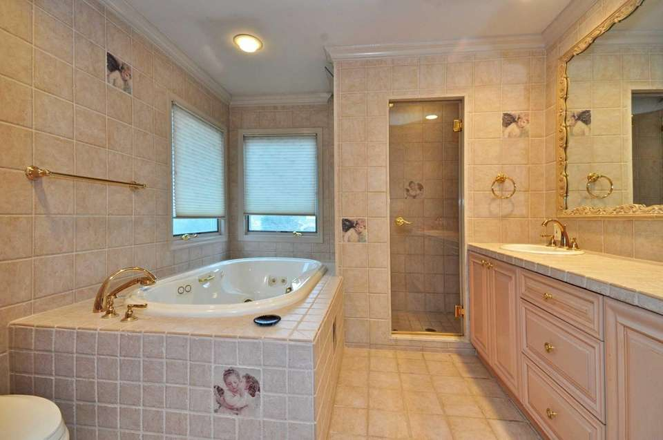 29 Wesley Dr., East Rockaway; the tiled master