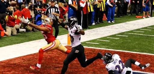 Michael Crabtree of the San Francisco 49ers fails