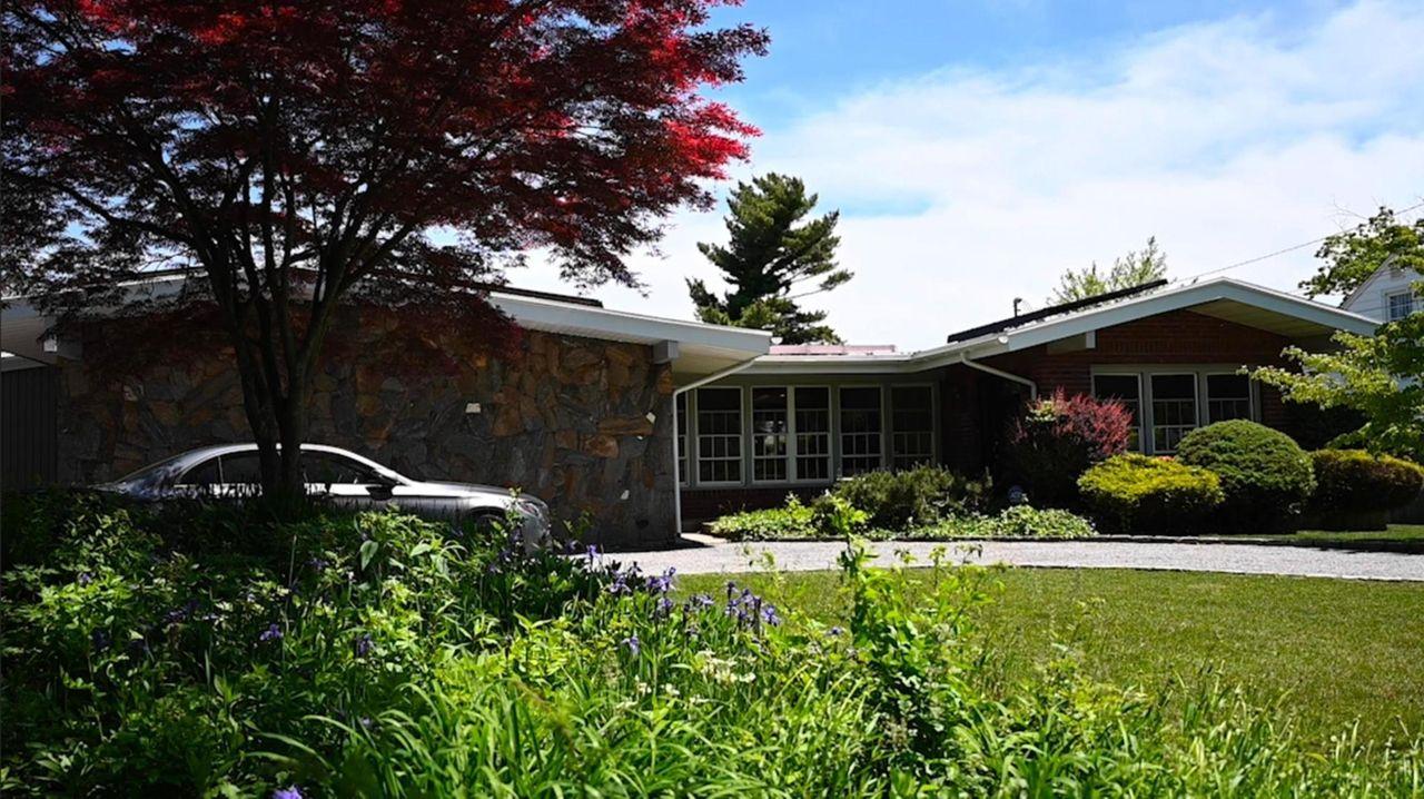 LI real estate agents say remote-sales tactics, adopted