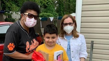 Third-grader Jezur Hernandez-Contreras, of Central Islip, received a
