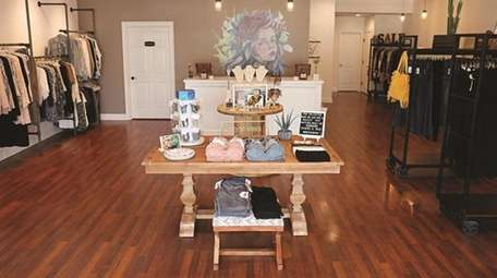 The Rose & Boom Boutique is a women's