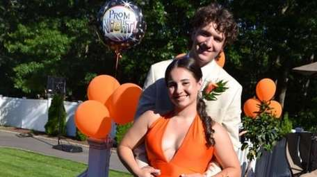 Alyssa Amato, 17, threw a surprise backyard prom