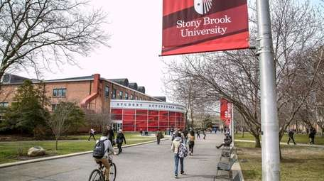"""Stony Brook University's """"Bridging the Racial Divide"""" session"""