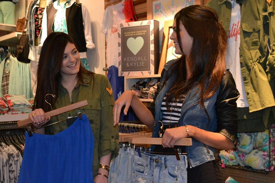 Kendall and Kylie Jenner visited the PacSun in
