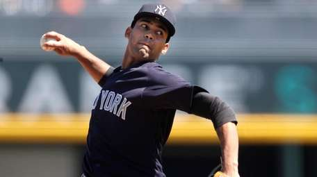 Yankees starting pitcher Deivi Garcia against the Atlanta
