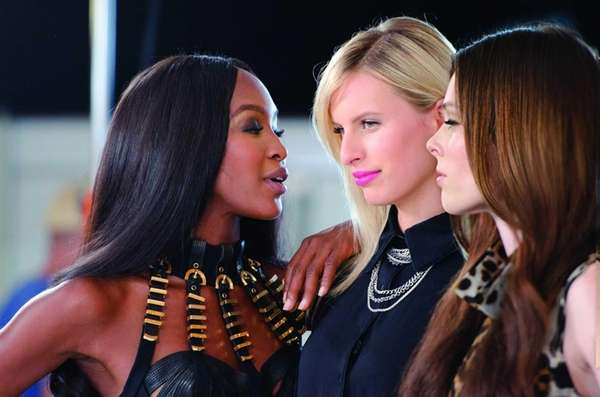 From left, executive producer and supermodel coach Naomi