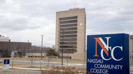On-campus classes at Nassau Community College in Garden