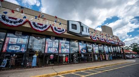 The 58-year-old chain opened its North Bellmore store