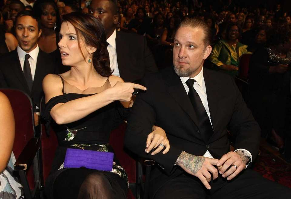 Sandra Bullock and Jesse James: America's sweetheart married