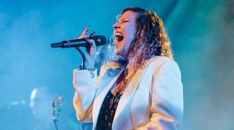 Lead vocalist Elaine Tuttle will sing like Steve