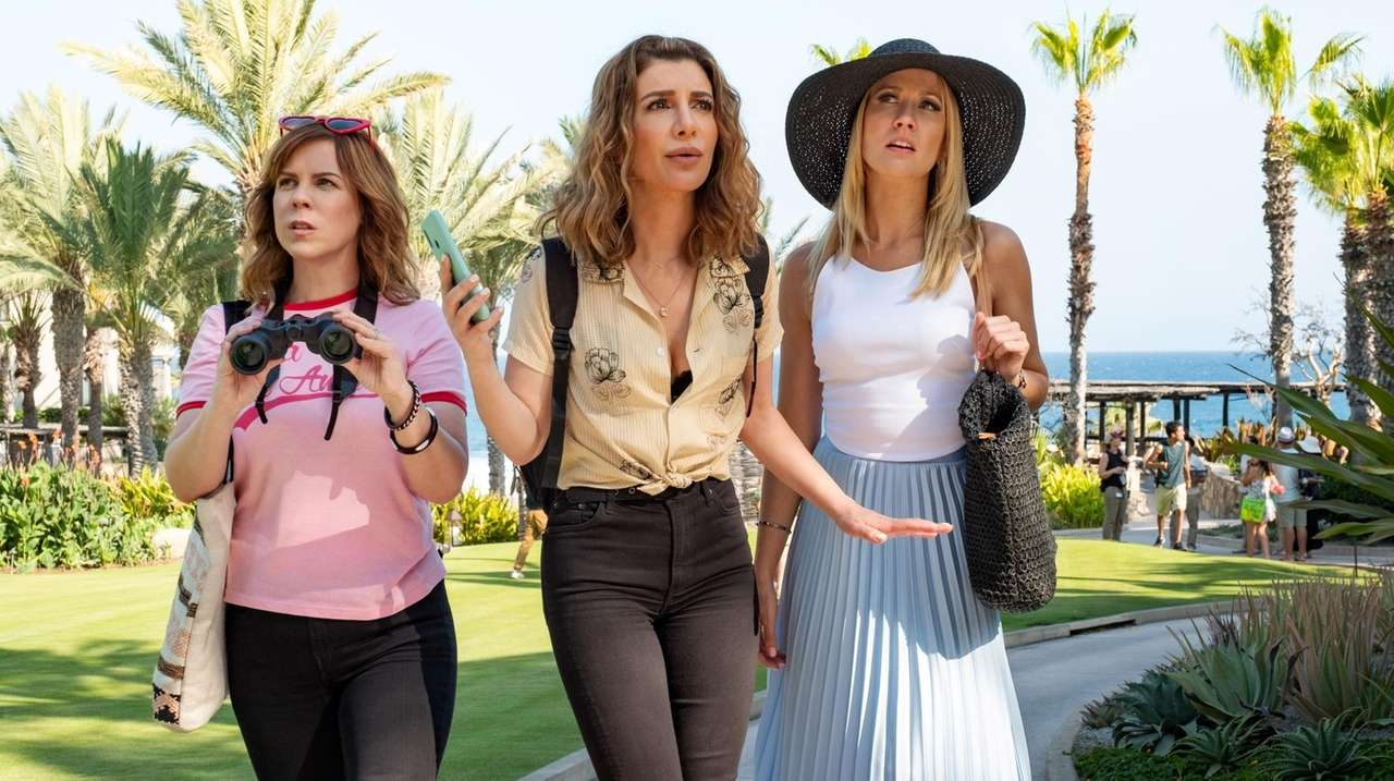 Desperados Review Snl S Nasim Pedrad The One Bright Spot In Otherwise Silly Movie Newsday