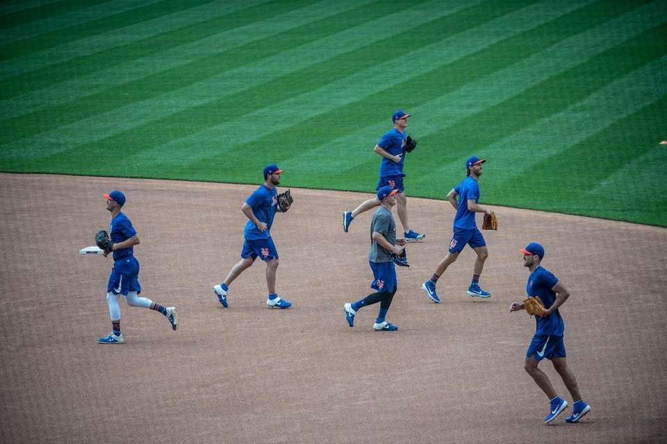 New York Mets players during a baseball workout